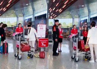 VIDEO: Woman has meltdown in Thai airport – The Thaiger