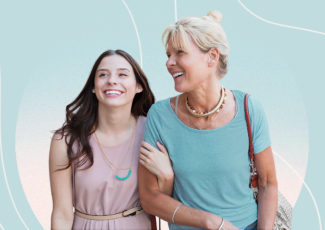 17 Beauty Tips Women 50+ Have for Their 20-Year-Old Self – Healthline