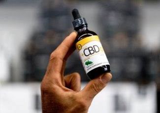 CBD oil sold freely in Knoxville, but state law, federal policy clash on its use – Knoxville News Sentinel