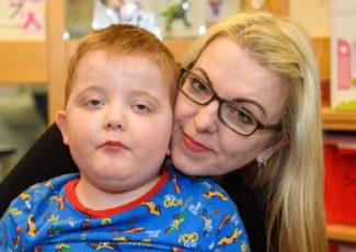 Edinburgh mum smuggles cannabis drug into UK to treat son's seizures – Edinburgh Evening News