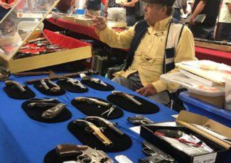 Hundreds flock to gun show at River Ridge mall – Lynchburg News and Advance