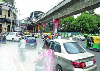 Nowhere to park: Visitors to CBD grapple with parking woes – Times of India