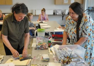Art on the go: Traveling teacher brings creative projects to a variety of students, young and old – Colorado Springs Gazette
