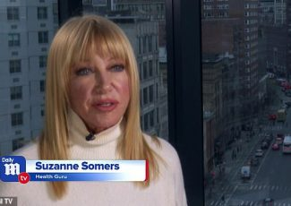 Suzanne Somers took charge of her health after cancer diagnosis and is taking on aging with new book – Daily Mail